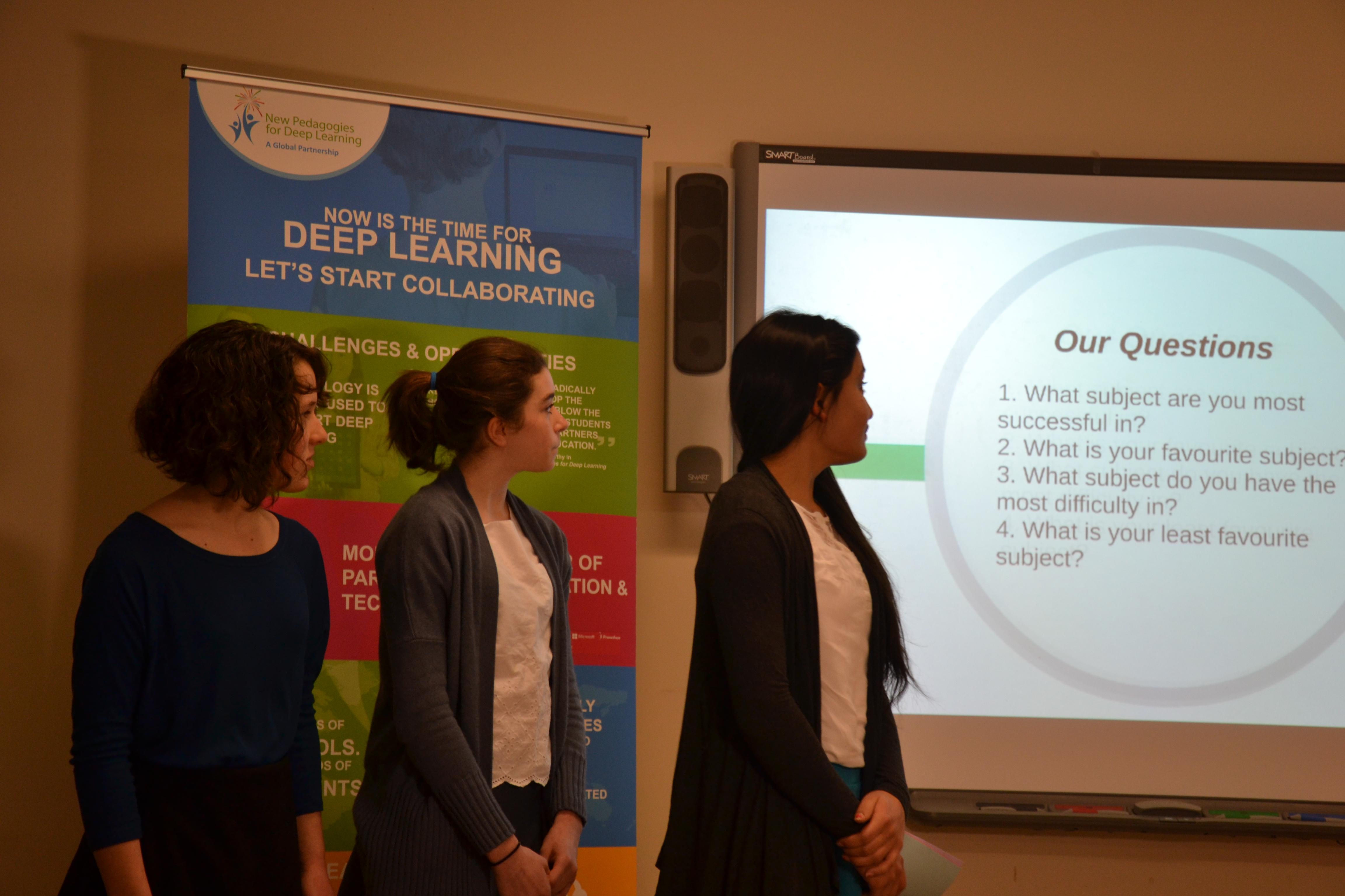Des étudiantes de Glashan Public School présentent sur le Deep Learning